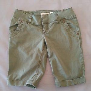 Guess olive green shorts
